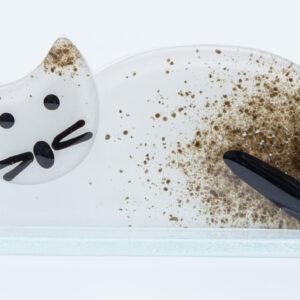 Lying Cat White